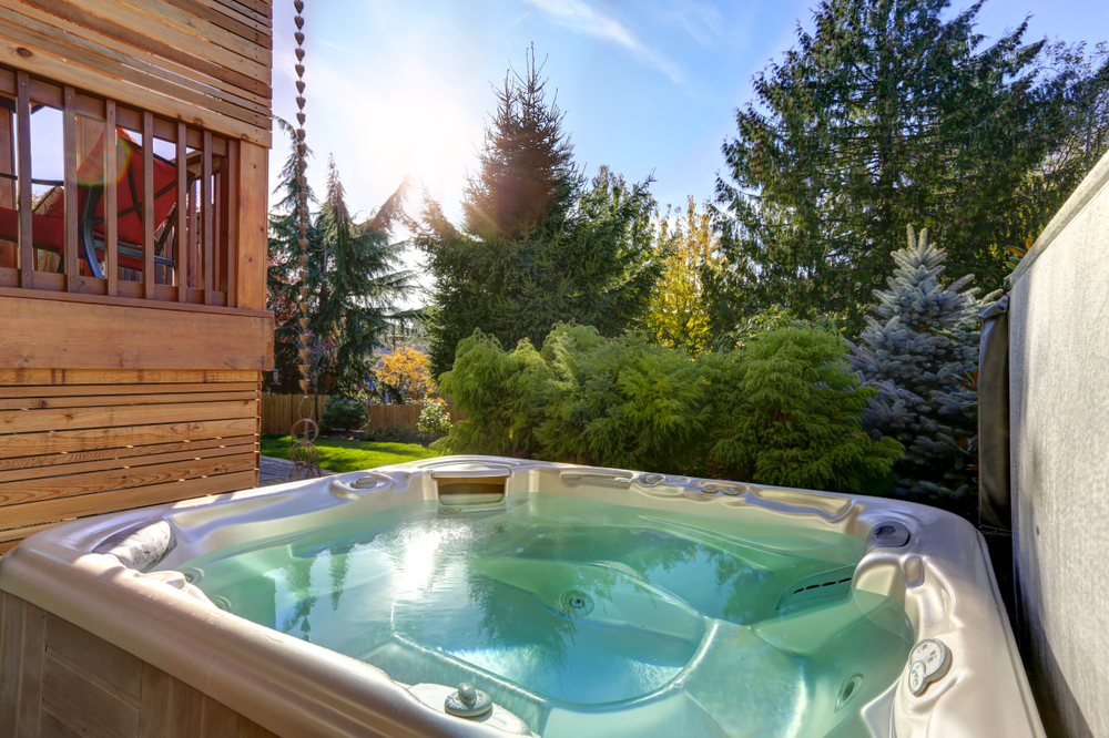5 Hot Tub Cleaning Practices Every Hot Tub Owner Should Know