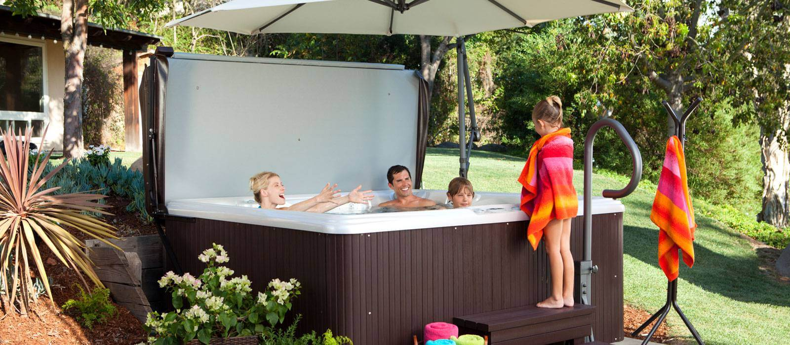 Hot Tub Design Ideas - Alaskaspa.com - The Waterworks