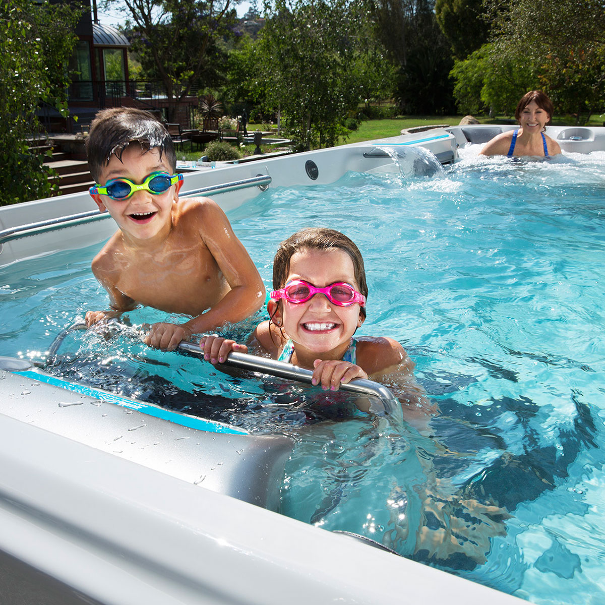 8 Key Differences between Endless Pools® and Infinity Pools