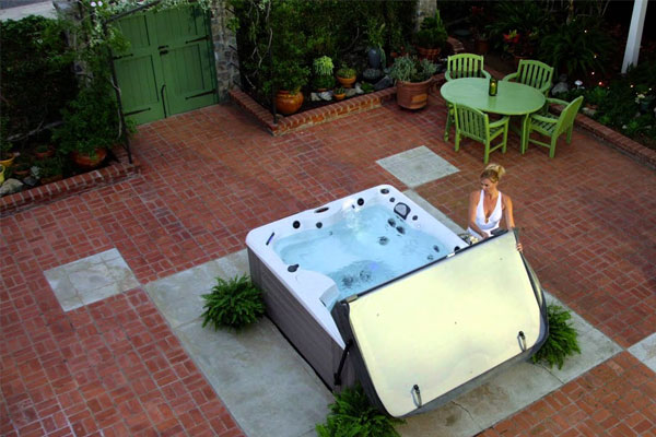 Free Home Hot Tub Consultation Family Image