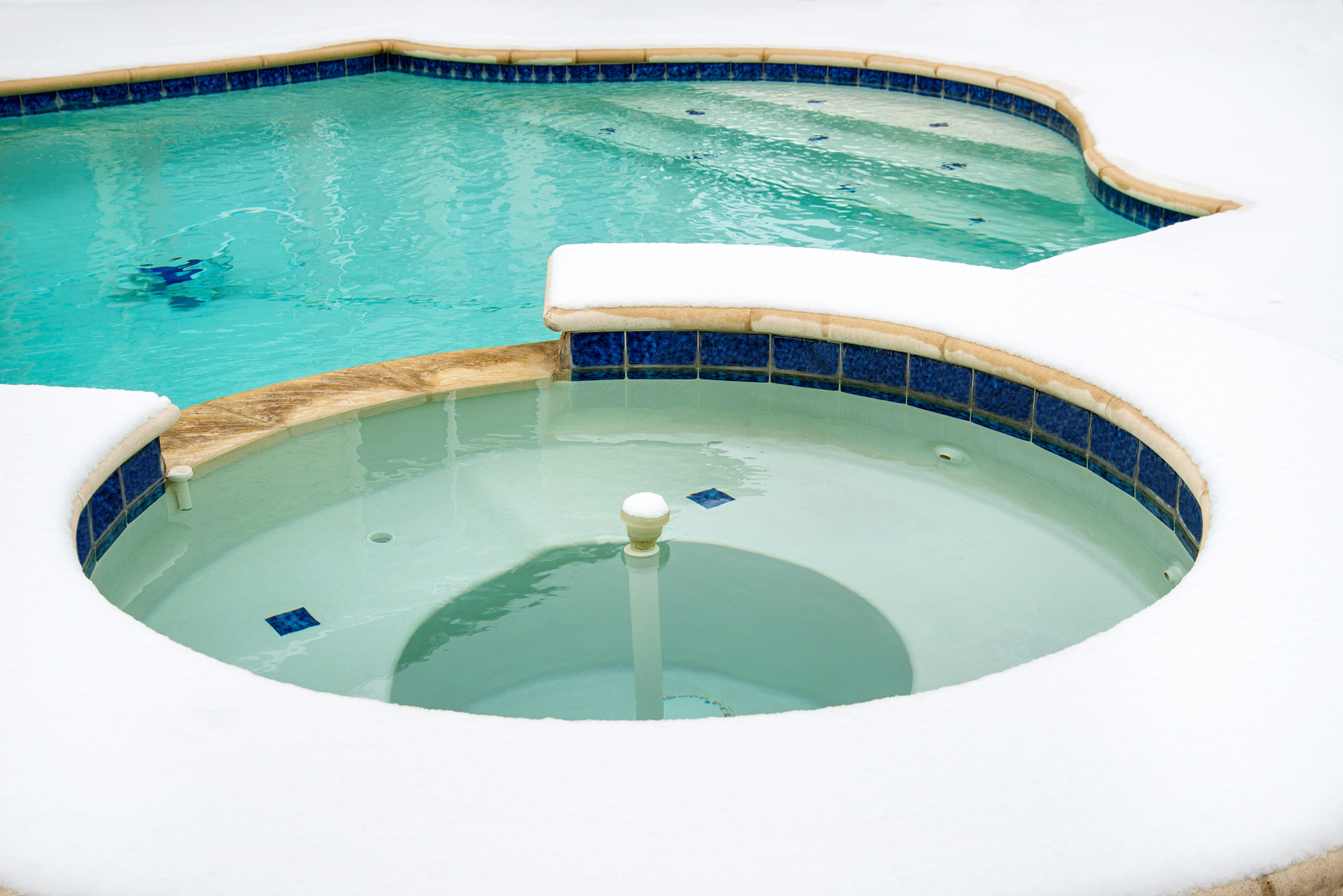 Keep Your Pool Open This Winter