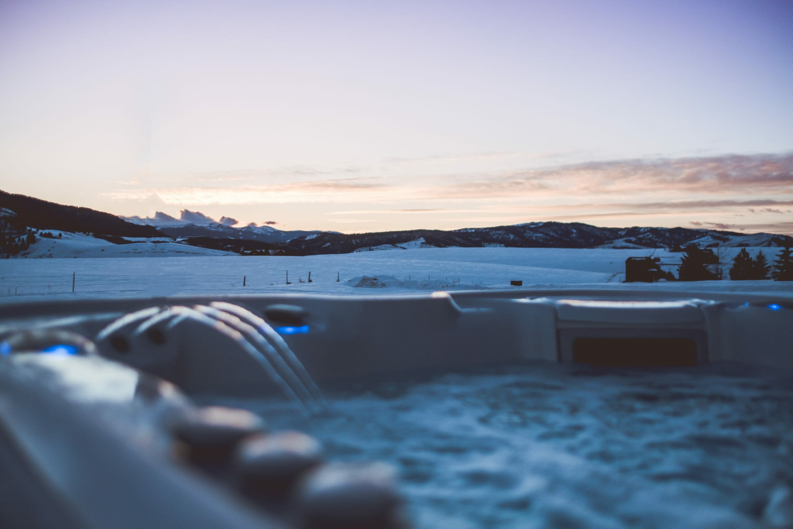 How to Beat the Cold Weather Blues with a Hot Tub