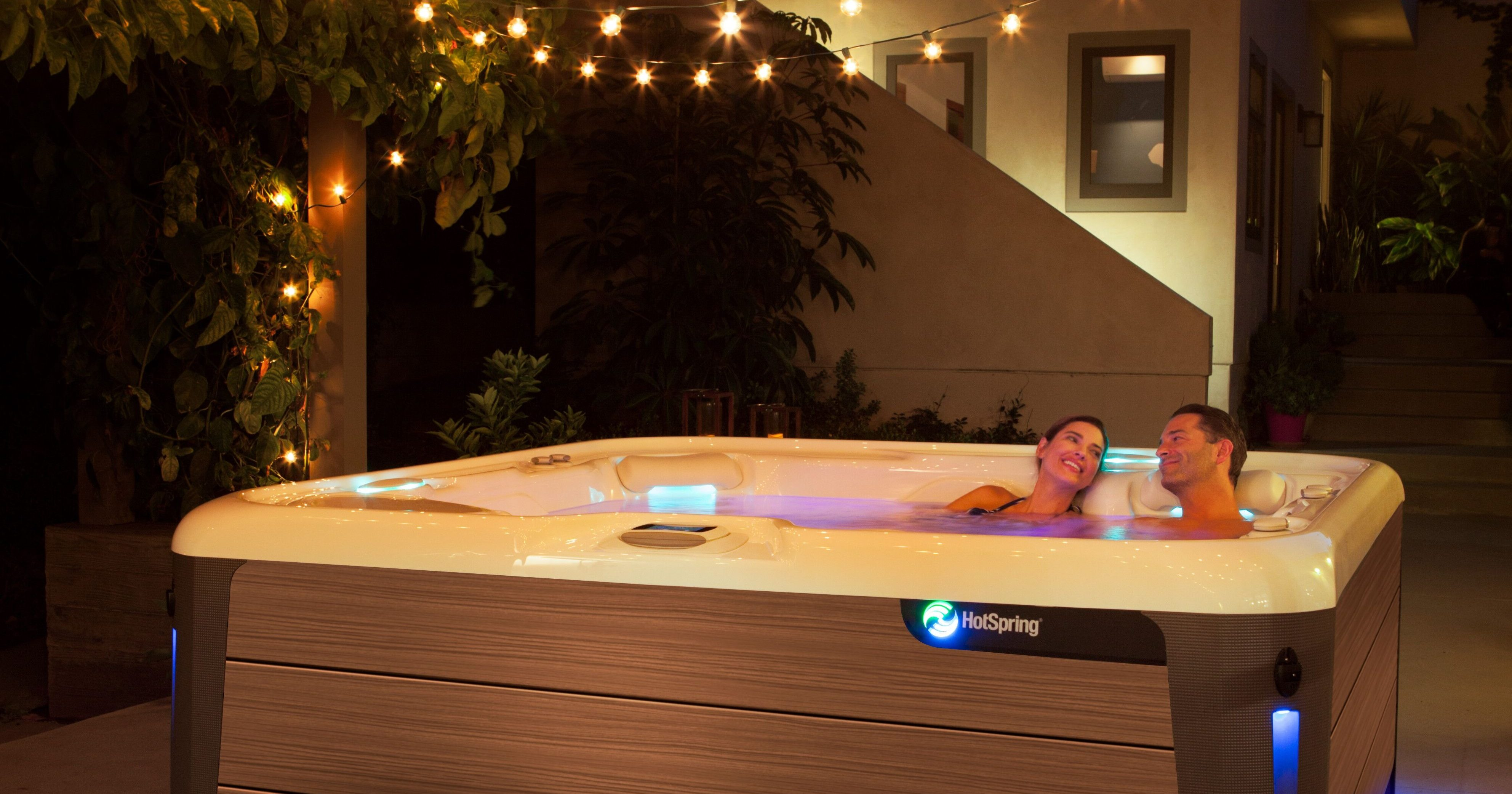 The 3 Elements of the Perfect Hot Tub Date Night