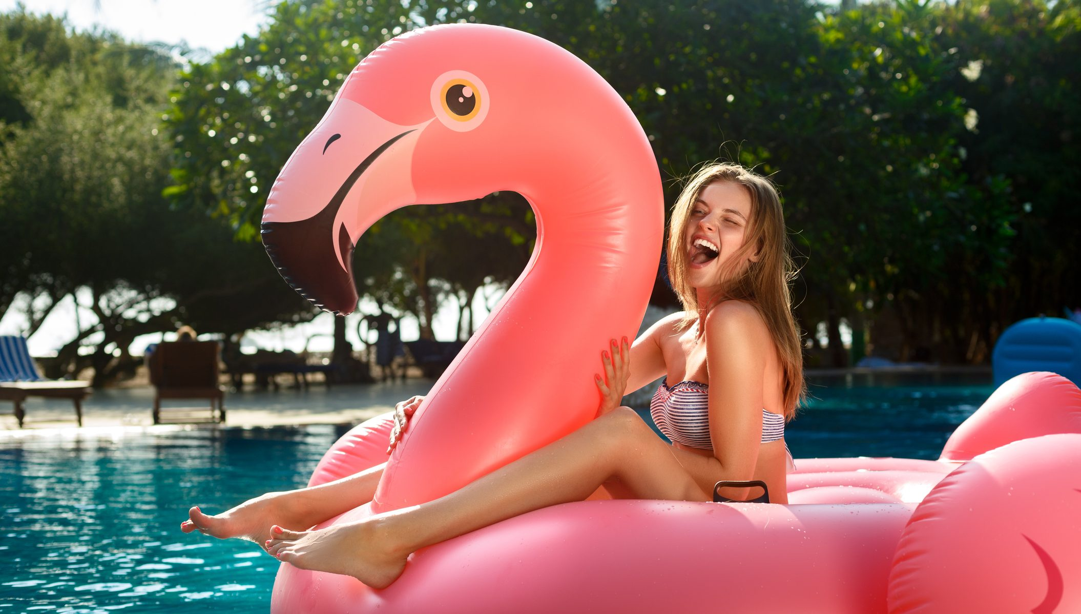 The 3 Trendiest Pool Floats This Year