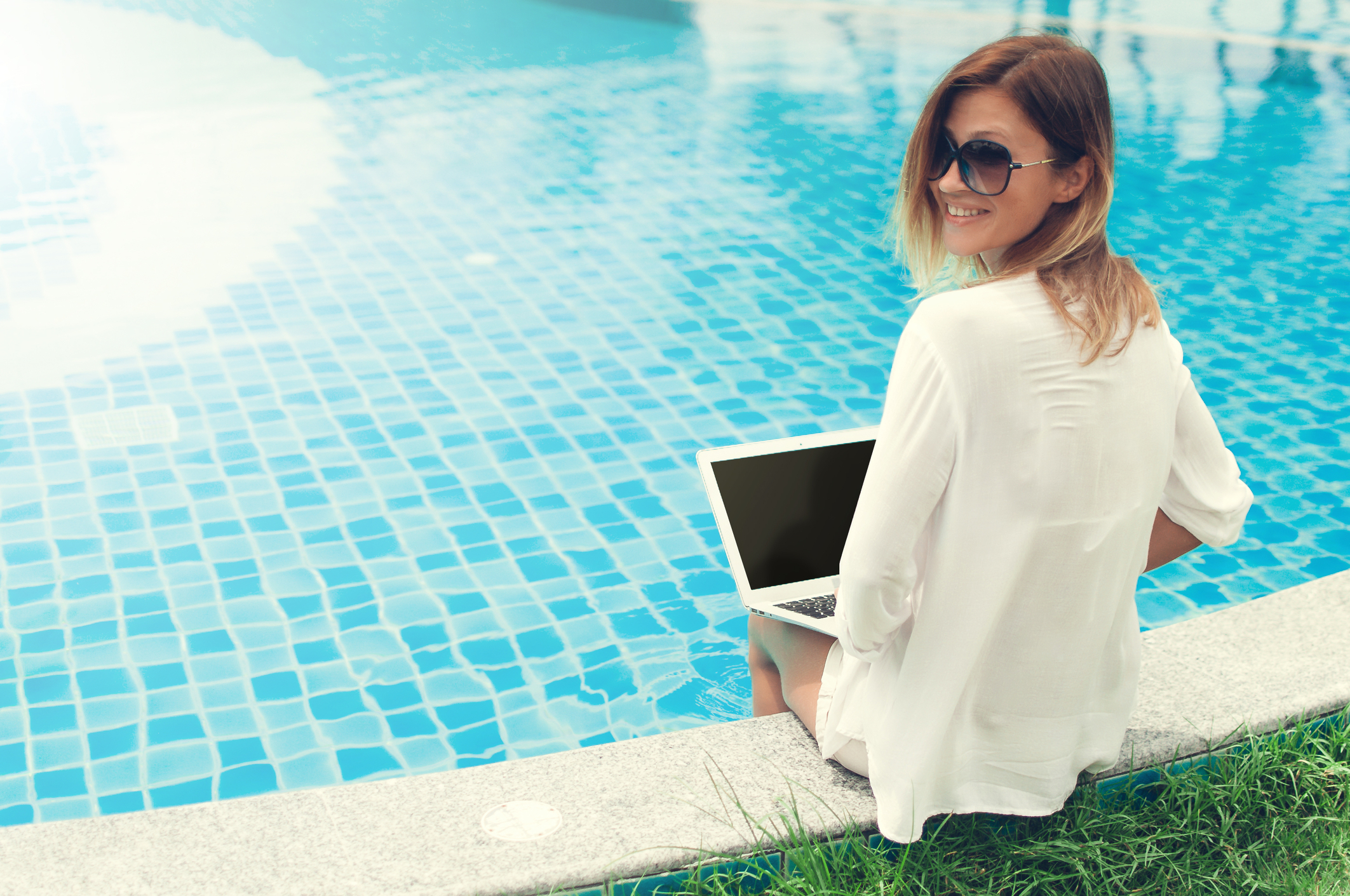 3 Amazing Blogs (Besides Ours) Every Pool Owner Needs to Read
