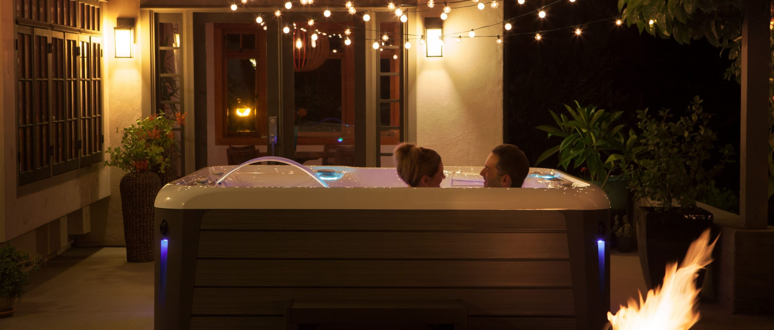 How to Plan a Hot Tub Date Night They'll NEVER Forget!