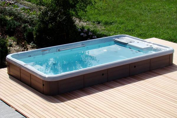 Hot Tub or Swim Spa Service Family Image