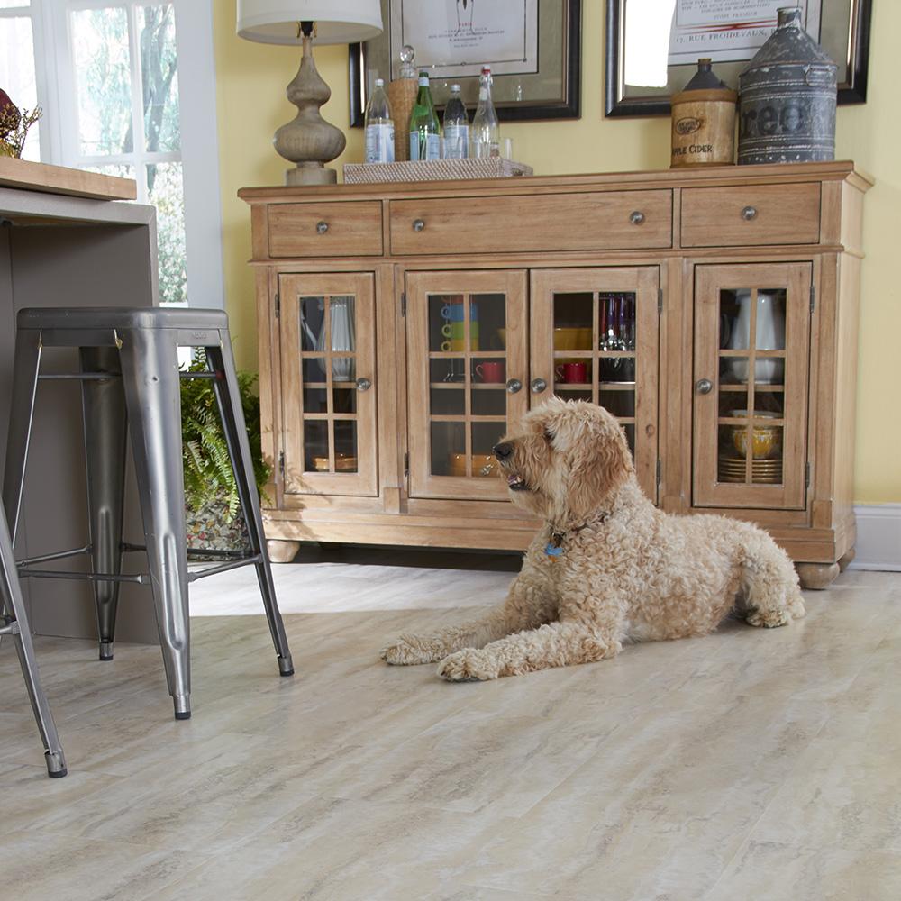 Coles Fine Flooring | Pets