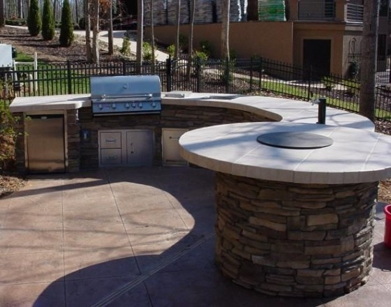 Outdoor Kitchen with Firetables Family Image