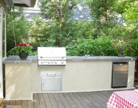 Full Outdoor Kitchens on a Deck Family Image