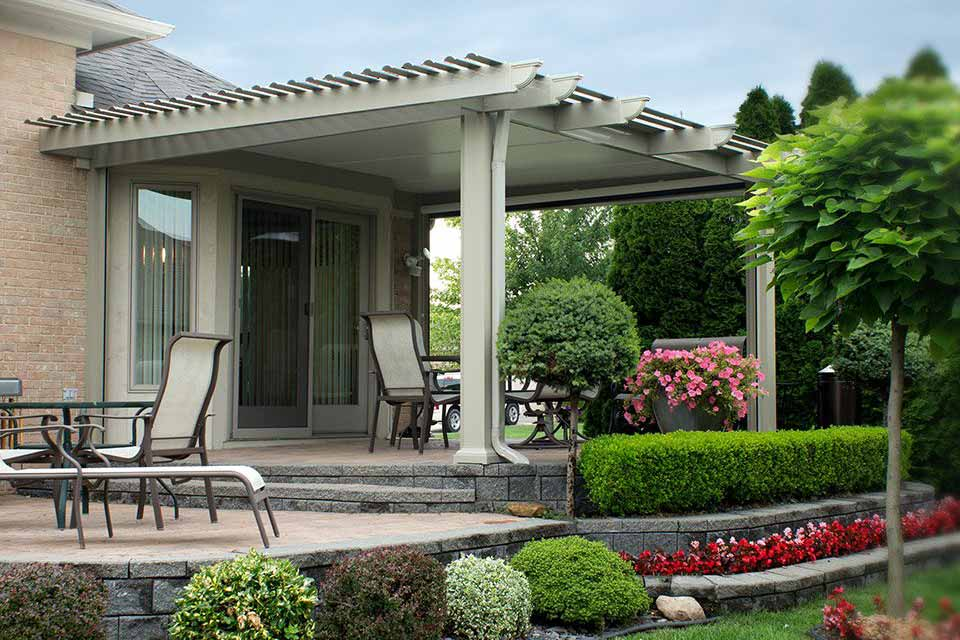 Side view of a Temo Operable Pergola