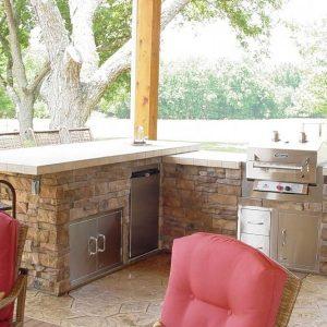 Fun Outdoor Living out door kitchen installation