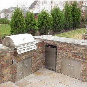 Fun Outdoor Living kitchen installation