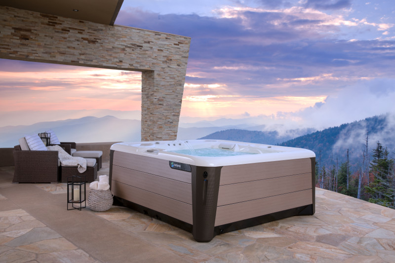HotSpring-Highlife-Envoy-2019-Alpine White-Bronze-Lifestyle-Spa Alone-sunrise