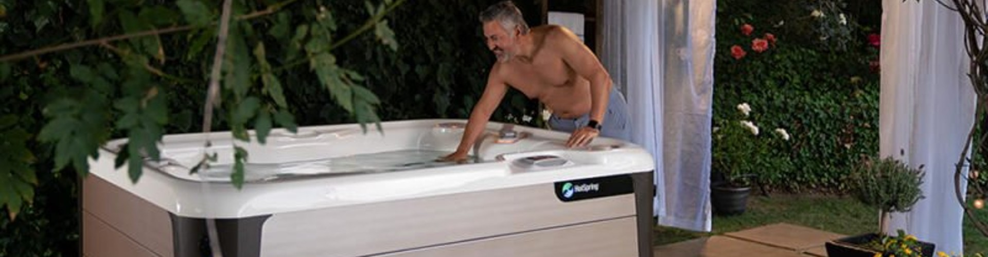 5 Reasons to Love a 2-Person or 3-Person Hot Tub