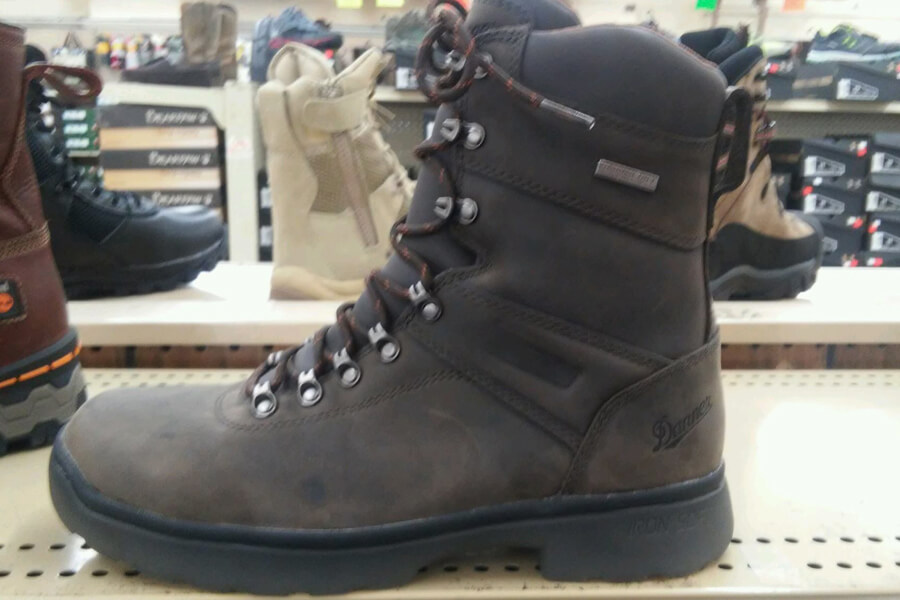 hiking-boots-hesselsons