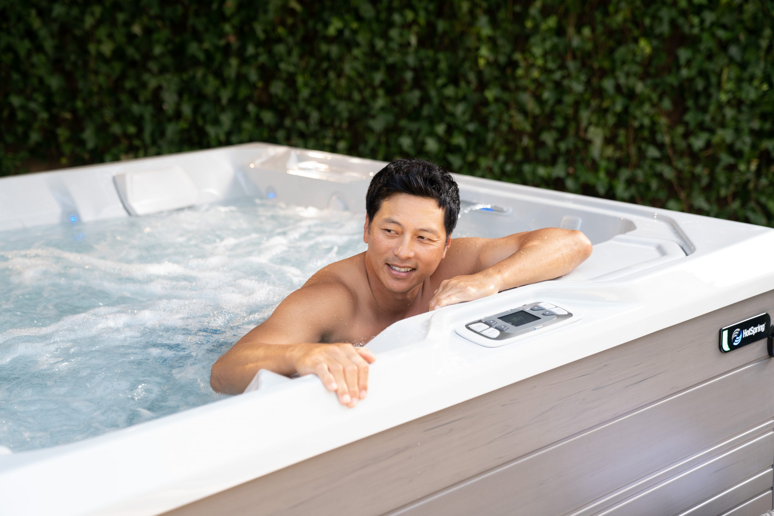 Combatting Back Pain with a Hot Tub