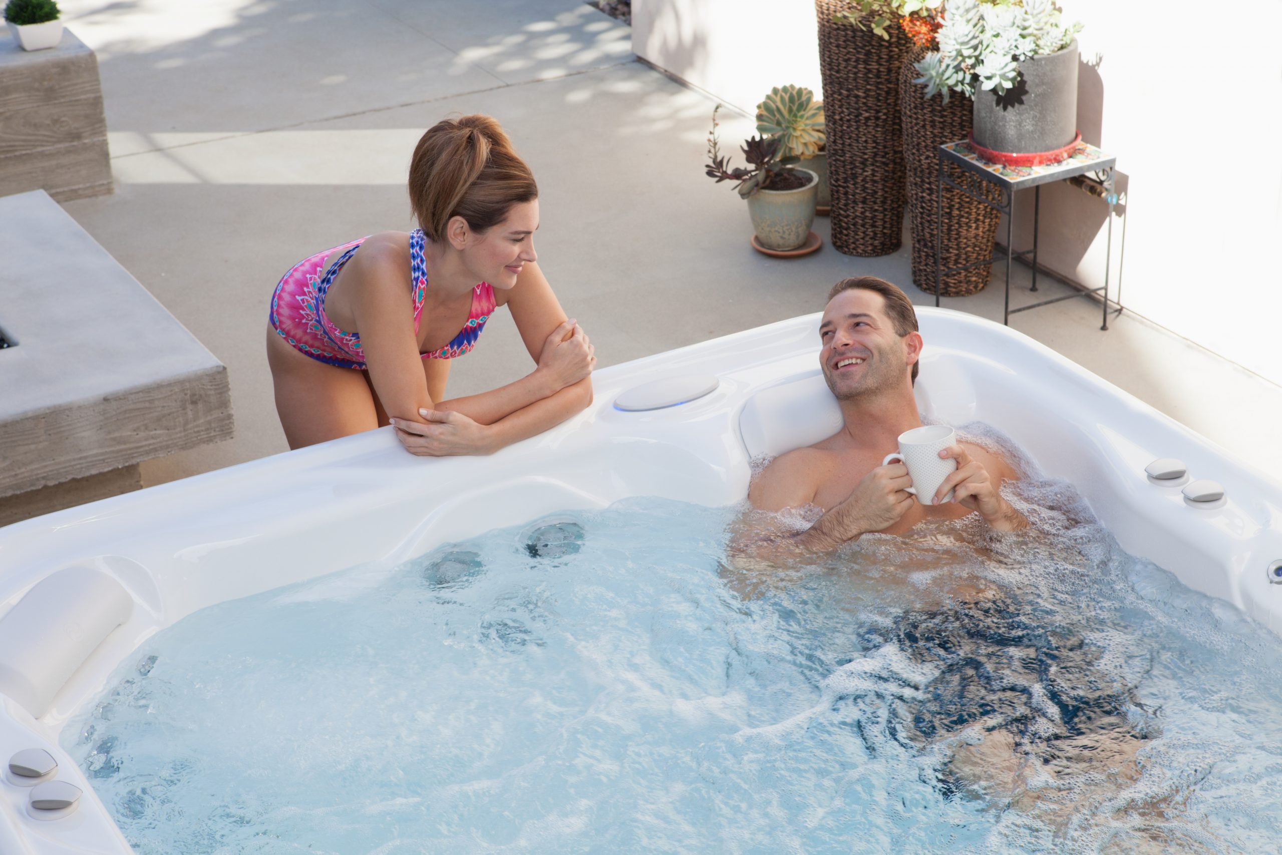 3 Benefits of Using A Saltwater Hot Tub