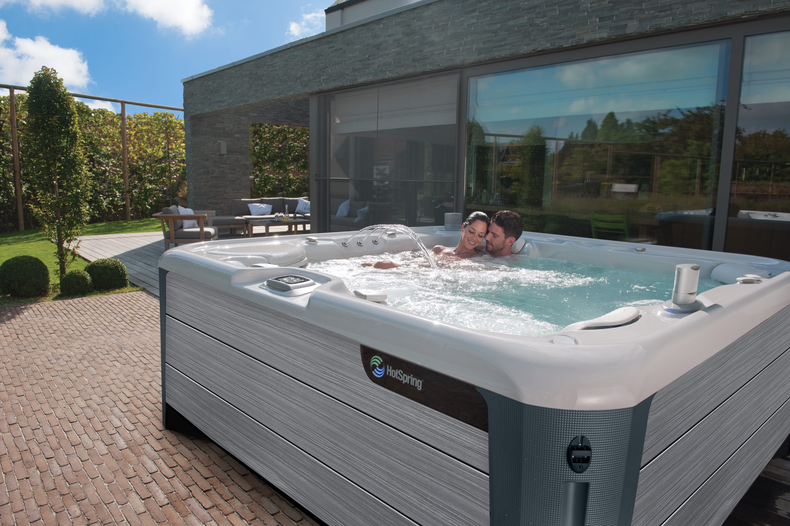 5 Reasons To Love A Two-Person Hot Tub