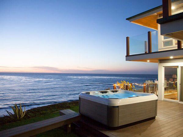 Bullfrog Spa with ocean view