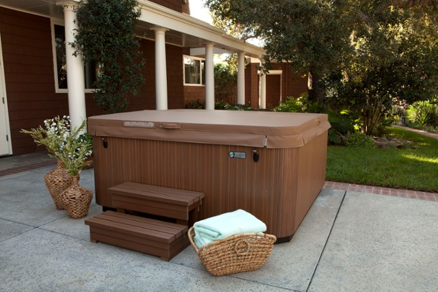 Winterizing Your Hot Tub Cover