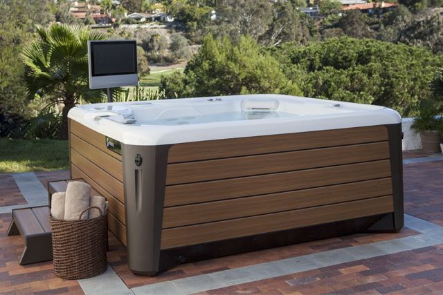 Choosing Your Hot Tub – Consider Your Dreams and Setting