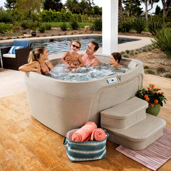 Freeflow Cascina hot tub