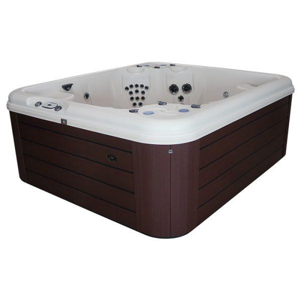 Nordic Rendezvous hot tub