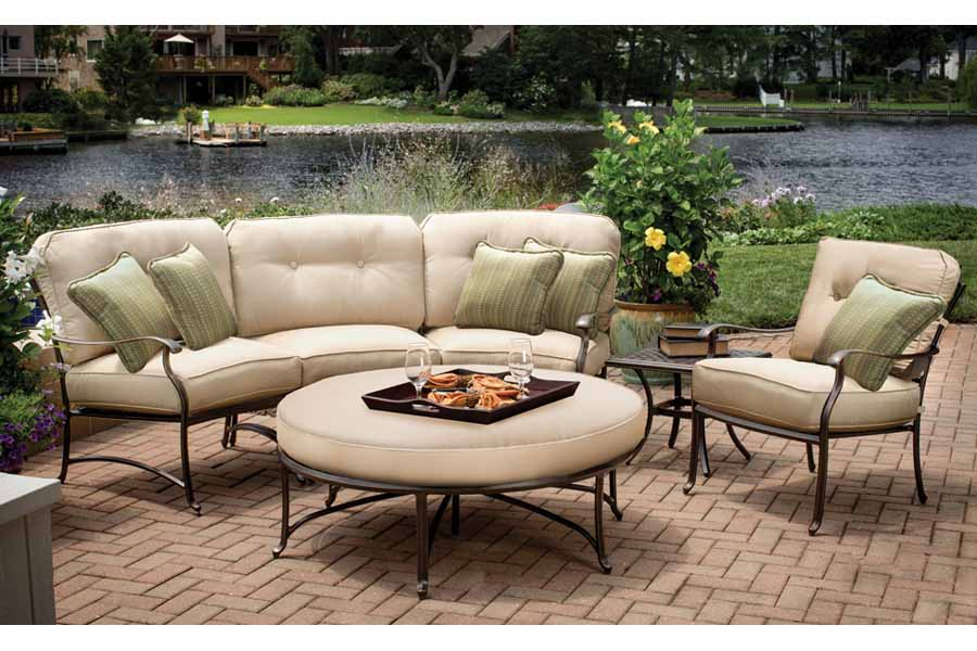 Agio Heritage Curved Sofa Set Product Image