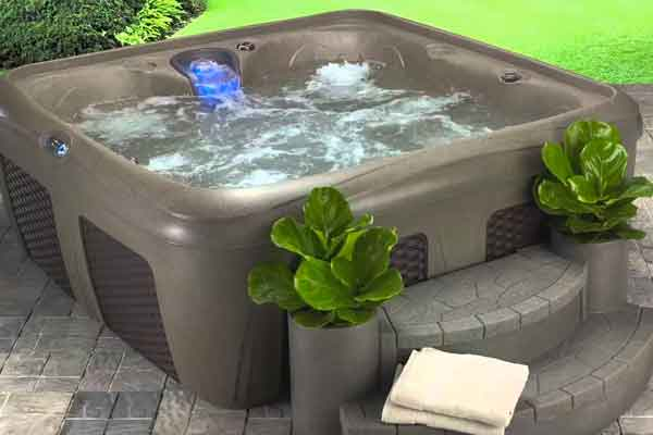 Learn About Hot Tubs Family Image