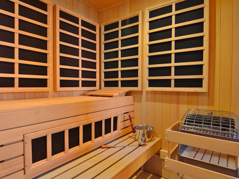 Custom Sauna Family Image