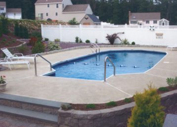 Learn about the benefits of professional pool maintenance services.