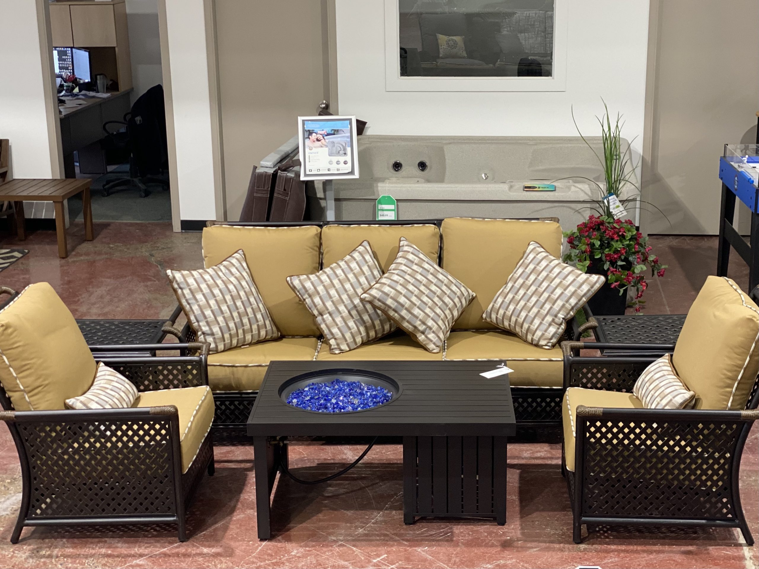 Mallin Furniture | Lifestyle Patio 1