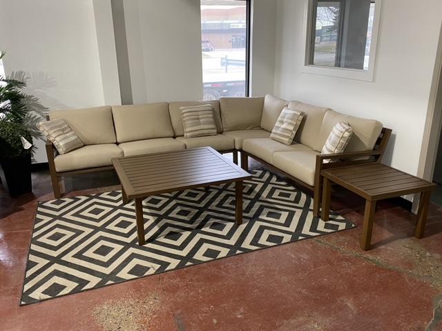 Mallin Furniture | Lifestyle Livingroom 1