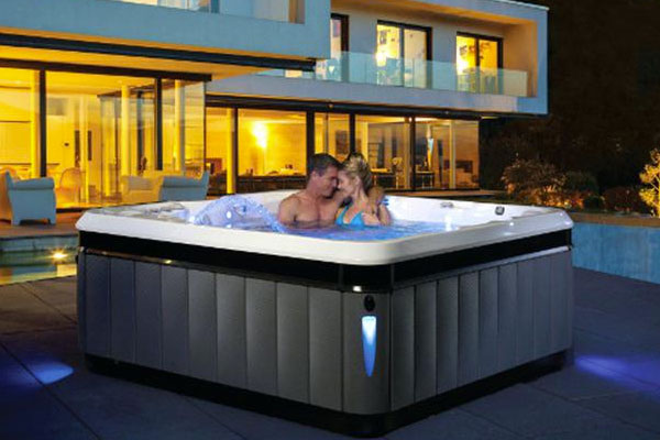Hot Tub Service Family Image