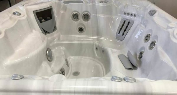 Used hot tubs at Spas by the Bay