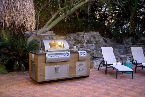 outdoor kitchens grill kegerator