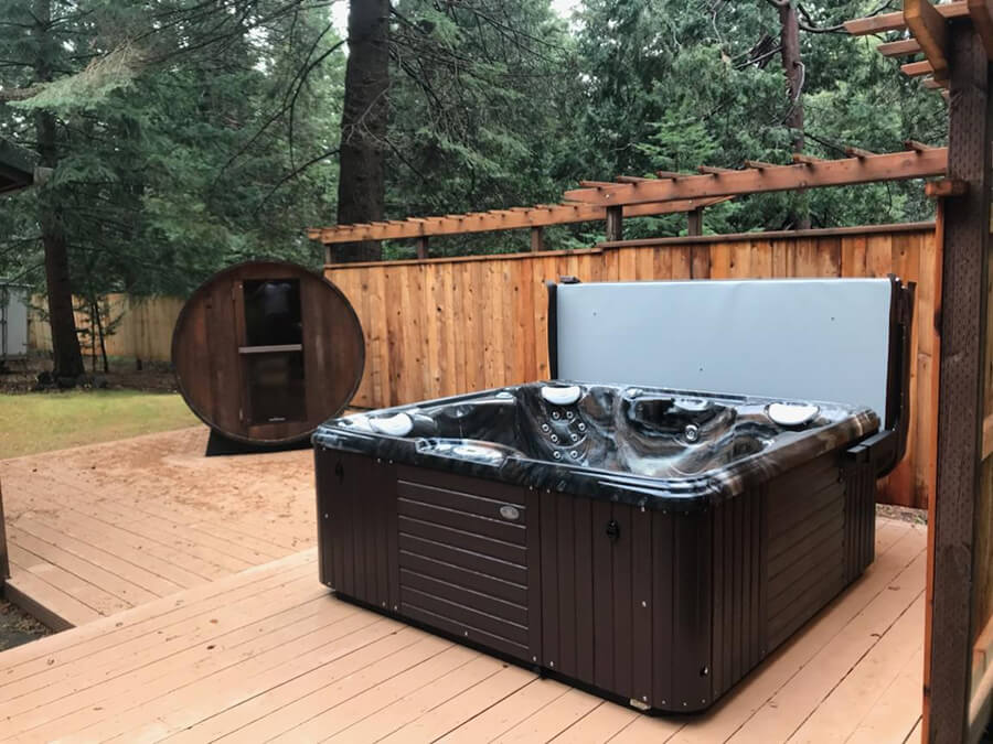 Caldera spa in backyard of Mt. Shasta
