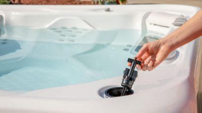 24496_hotspring_freshwater_salt_system_refill_kit_lifestyle_4.jpg