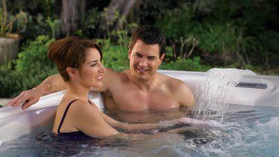 large-best-value-price-vacanza-marino-hot-tub-spa-hero-mobile-1.jpg