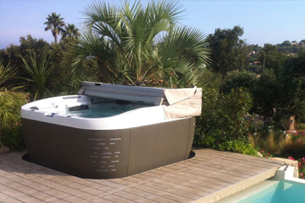 Jacuzzi Spas Pricing Family Image