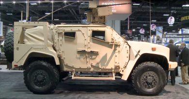AUSA 2016 - Oshkosh Shows Off Big Gun JLTV: 30mm Cannon