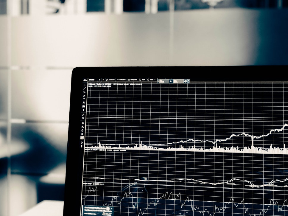Ally Invest vs  E-Trade: Which is Better? • Benzinga