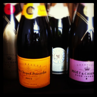 Valentine's Day Sparkling Wine Event!