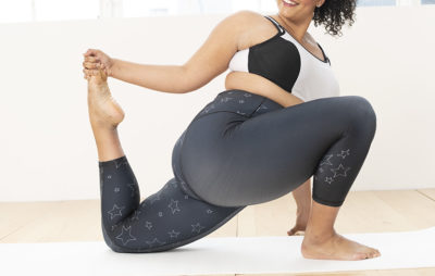 Stretch in star printed leggings