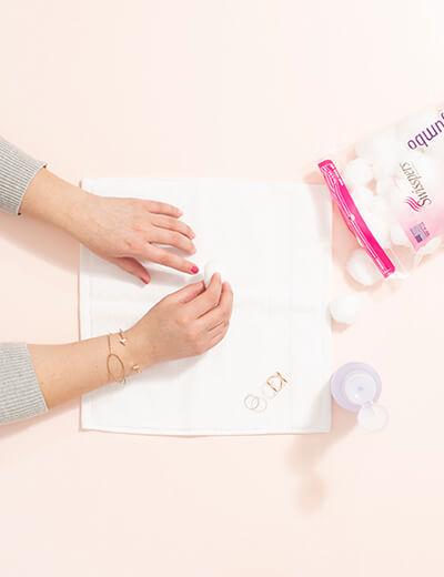 diy manicure remove polish