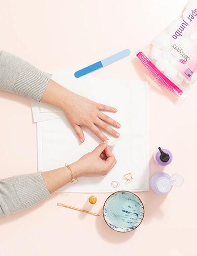 diy manicure remove oils