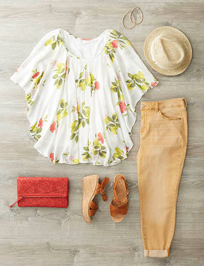 plus-size floral top colored denim casual spring look
