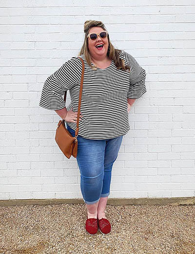 plus-size outfit photos striped top cuffed denim