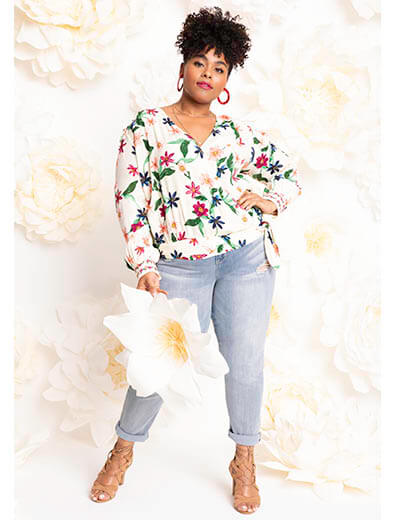 plus-size spring style date night going out floral top denim